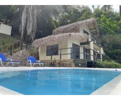 Alquilo Guatape Cabaña Privada! con piscina para 8 Personas.